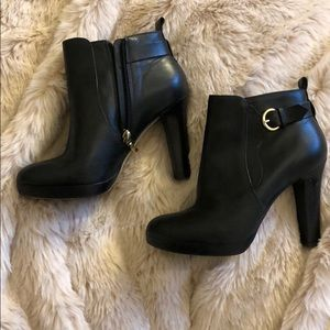 Black leather Neiman Marcus heeled boots
